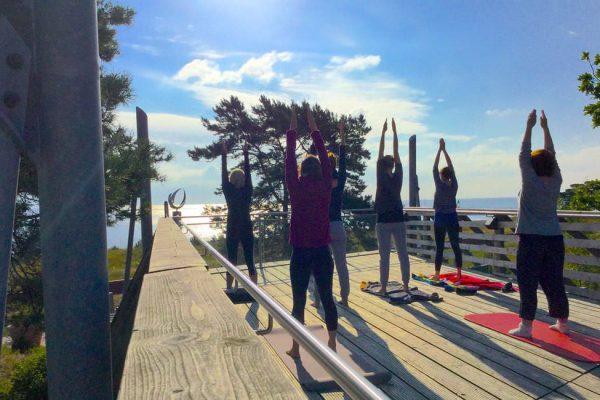 yoga-auf-sonnenterasse-im-ostseebad-baabe-auf-ruegen