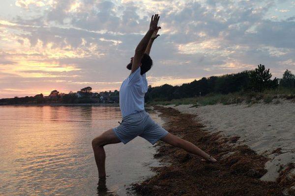 yoga-gastlehrer-aus-israel-auf-der-insel-ruegen