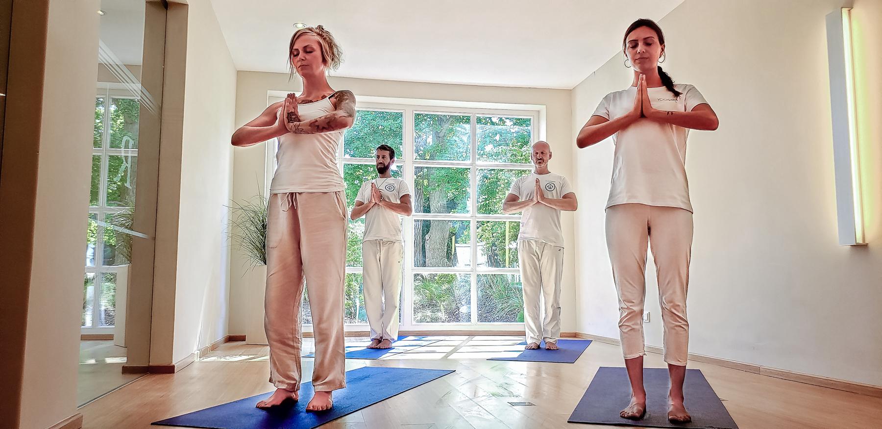 Yoga – Erfahrungen Team YOGAmar